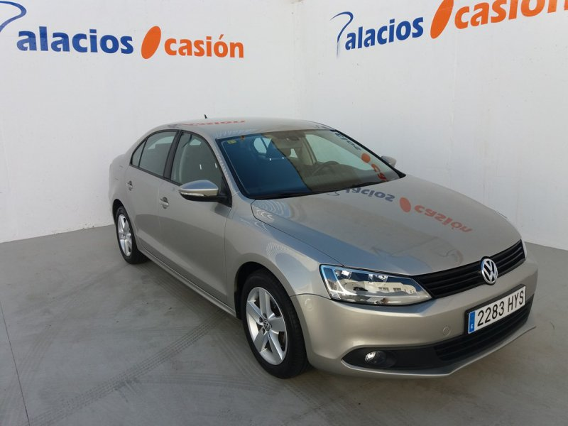 Volkswagen Jetta 1.6 TDI 105cv Tech Advance Bluemotion