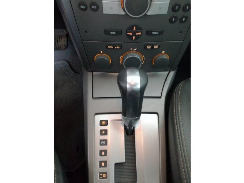 Opel Astra GTC 1.9 CDTi 120 CV Auto Cosmo