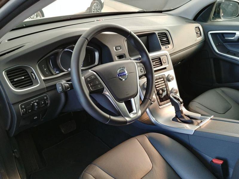 Volvo V60 Cross Country 2.0 D4 Auto Pro