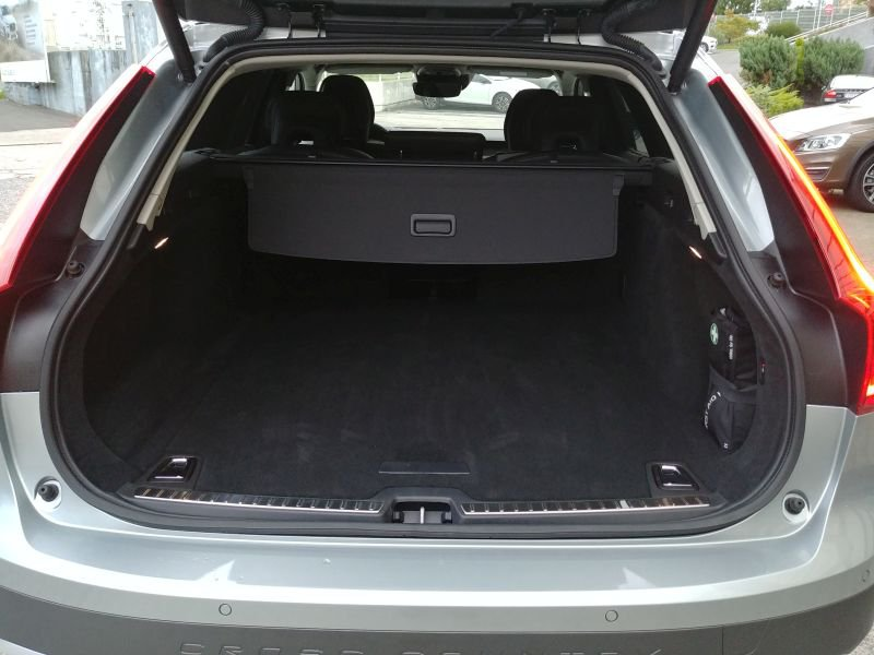 Volvo V90 Cross Country 2.0 D5 AWD Auto Pro