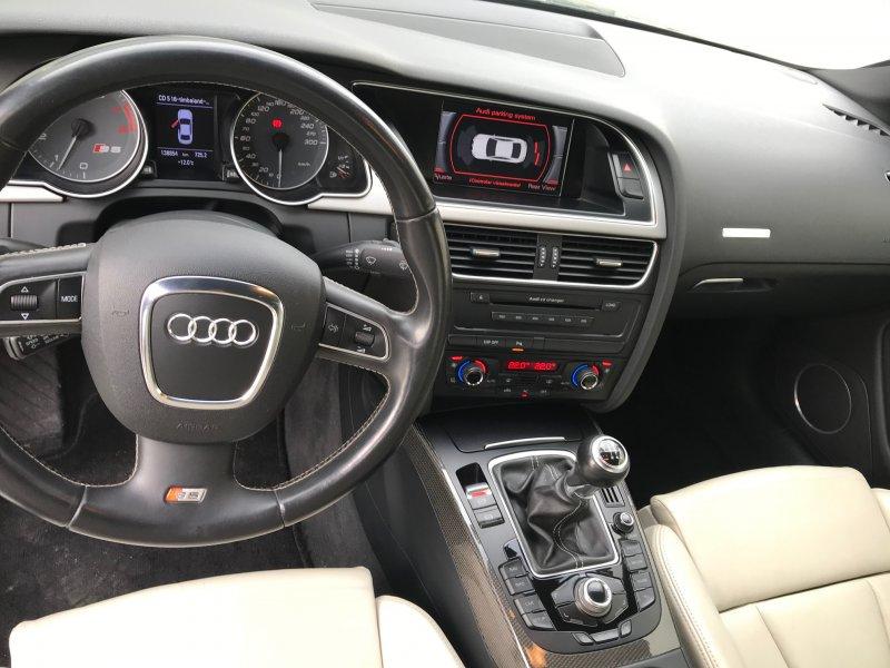 Audi S5 4.2 FSI quattro -