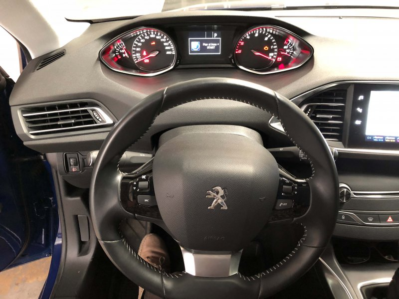 Peugeot 308 5p 2.0 BlueHDi 150 EAT6 Allure