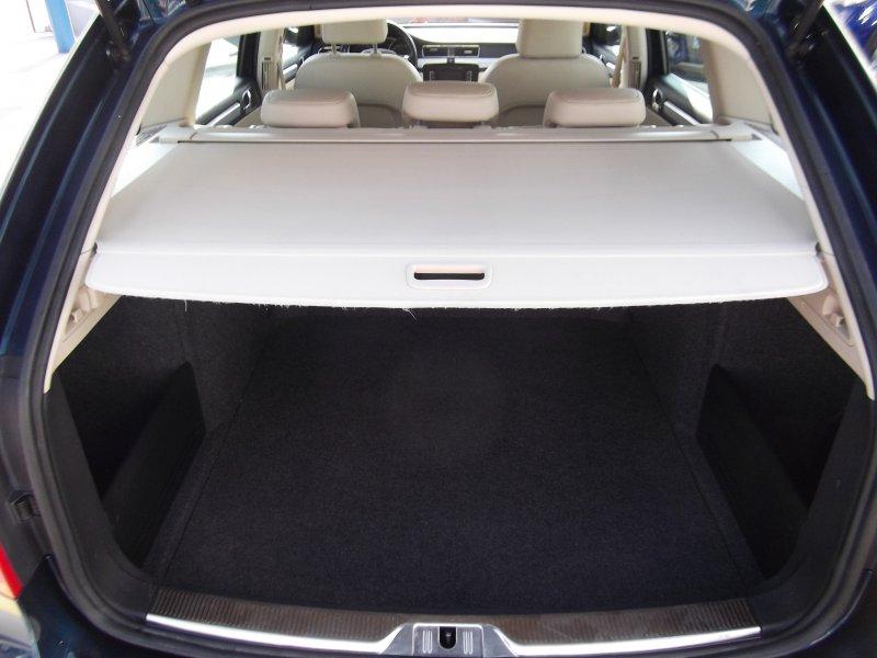 Skoda SuperB Combi 2.0 TDI CR 140cv Elegance
