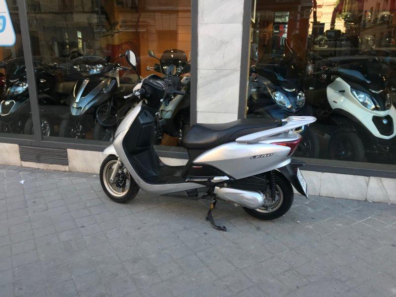 Honda-Moto Lead 110 cc
