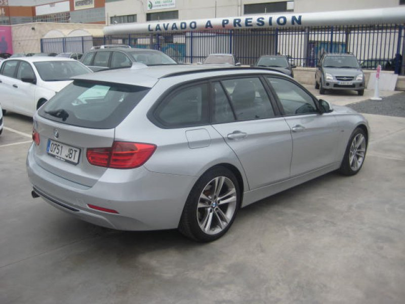 BMW Serie 3 SPORT Auto Touring 318d