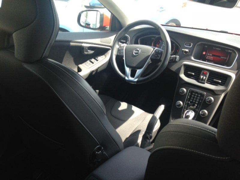 Volvo V40 2.0 D2 Auto Momentum