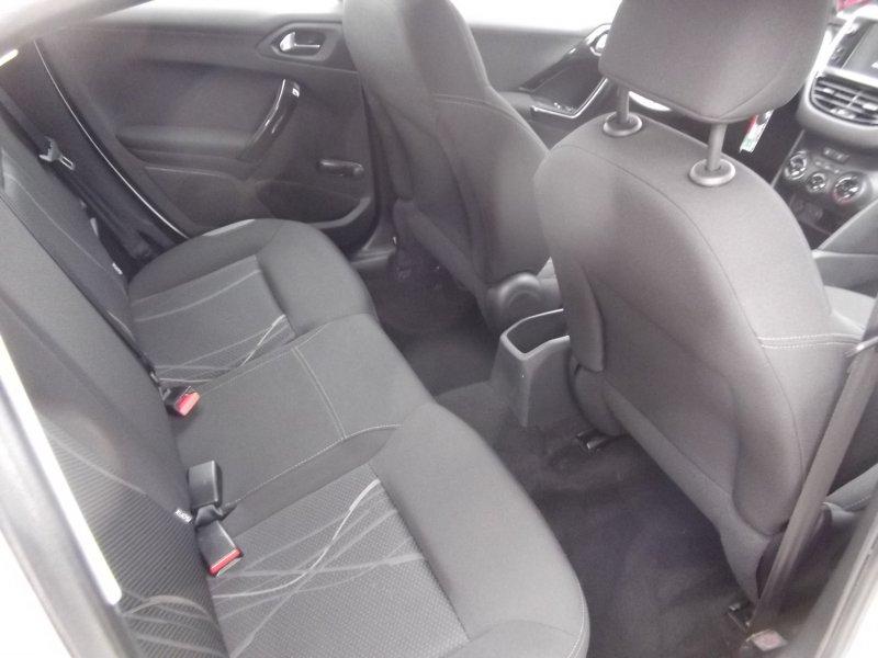 Peugeot 208 5P ACTIVE 1.6 e-HDi 92 ETG6 Active