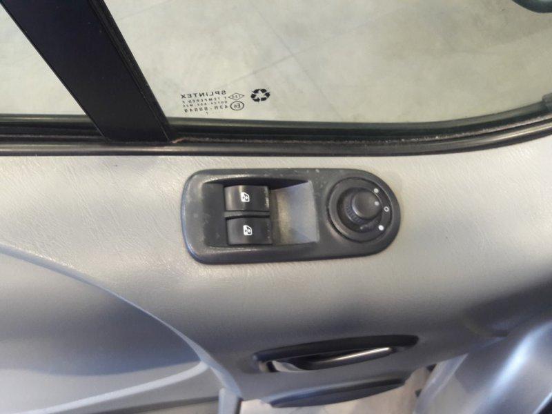 Opel Vivaro 1.9 CDTI 100 CV Corto 2.7t Tour