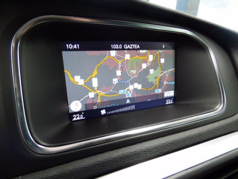 Volvo V40 2.0 D3 R-design R-Design Momentum