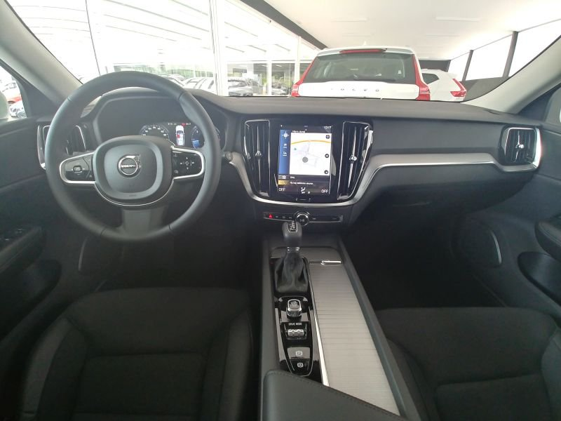 Volvo V60 Cross Country 2.0 D4 AWD Auto Cross Country