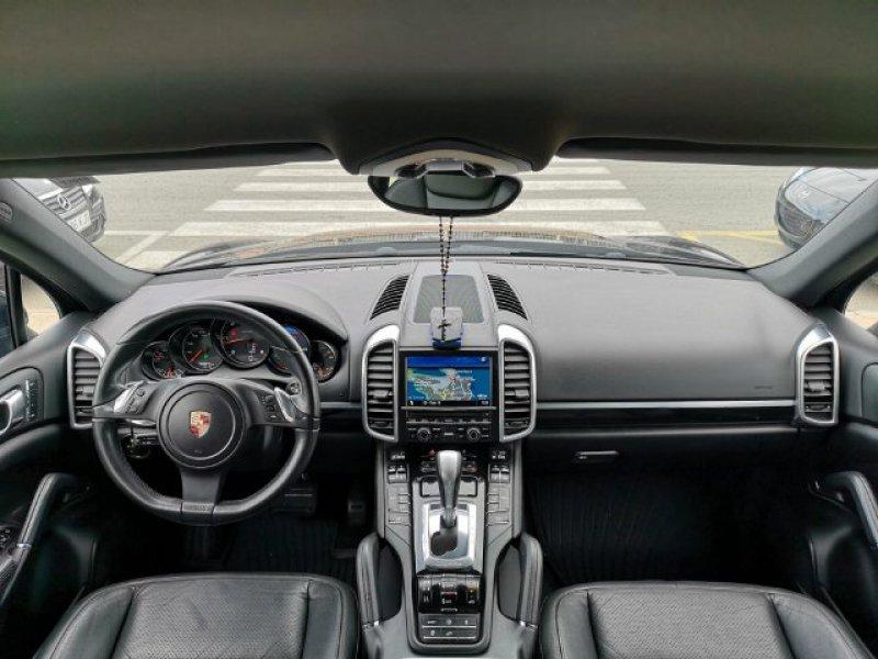 Porsche Cayenne 3.0 TD Tiptronic -
