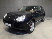 Porsche Cayenne - -