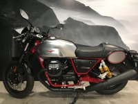 Moto Guzzi V7 Racer 750