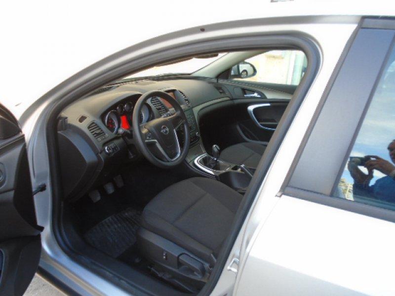 Opel Insignia 2.0CDTI ESSENTIA