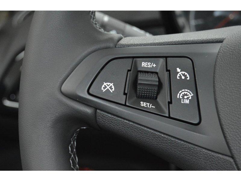Opel Corsa 1.4 SELECTIVE