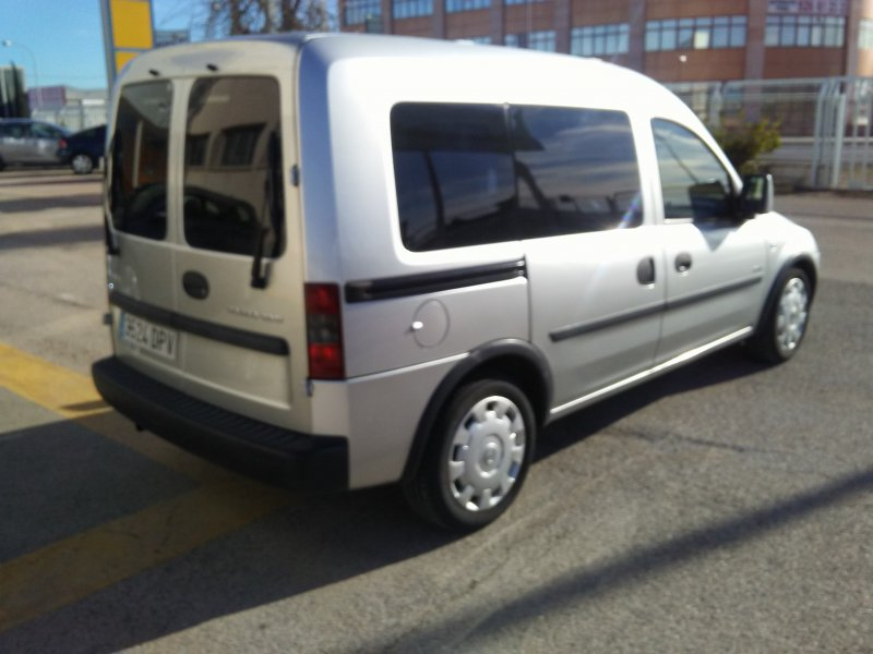 Opel Combo 1.3 CDTI Tour Cosmo