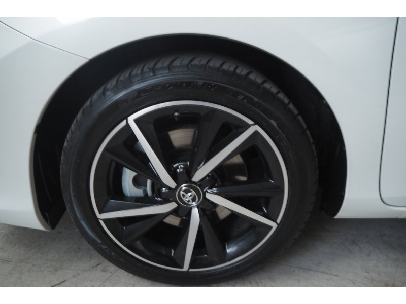 Toyota Auris 1.8 140H Hybrid Feel! Edition