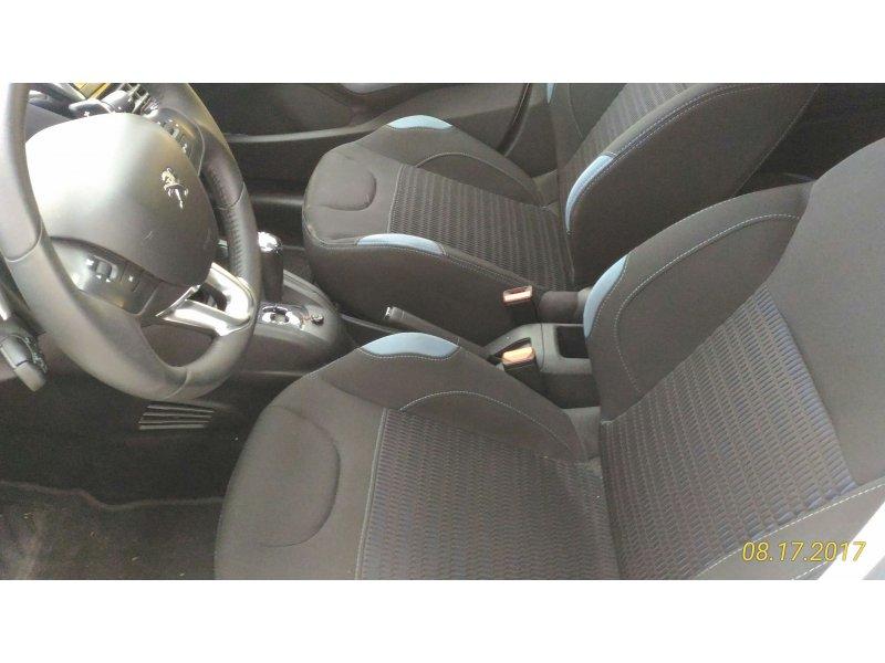 Peugeot 208 5P ALLURE 1.6 e-HDi 92 CMP Allure