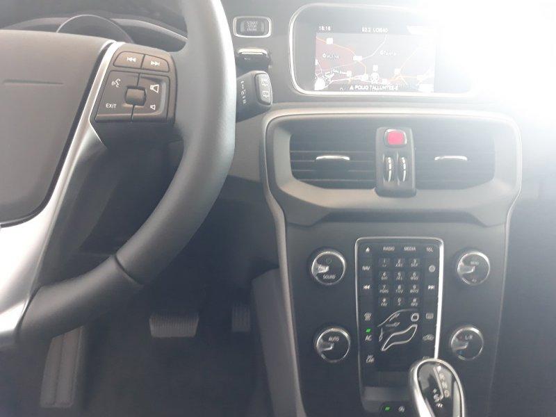 Volvo V40 2.0 T2 Auto 122CV Momentum