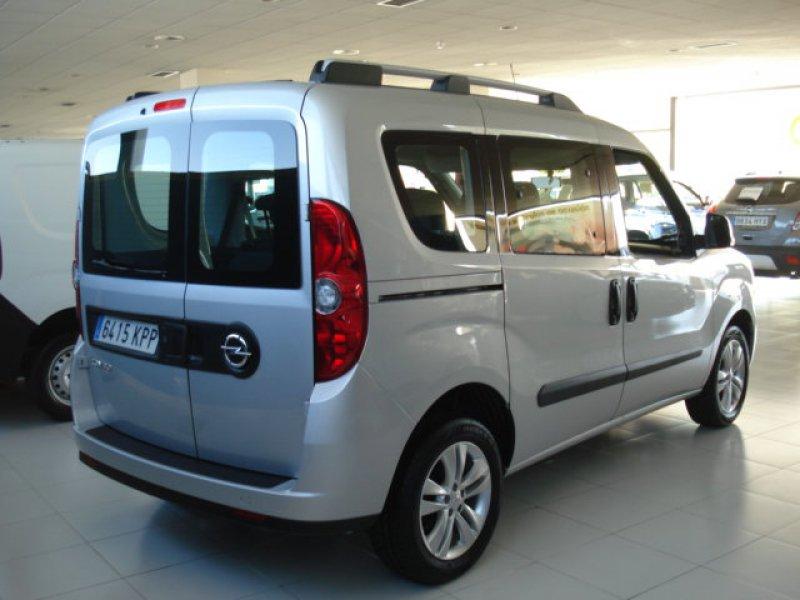 Opel Combo 1.3 CDTI 95 CV TOUR