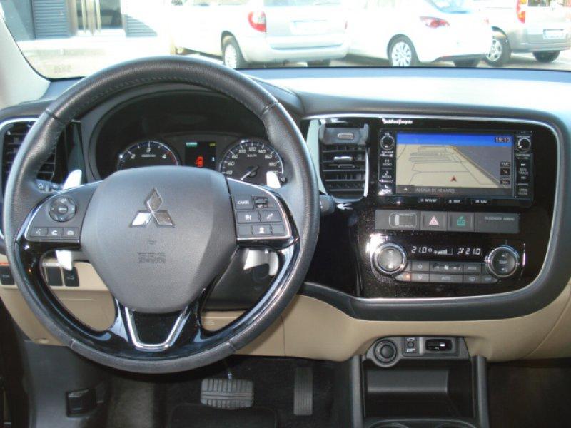 Mitsubishi Outlander 220 DI-D Auto 4WD 150 CV Kaiteki
