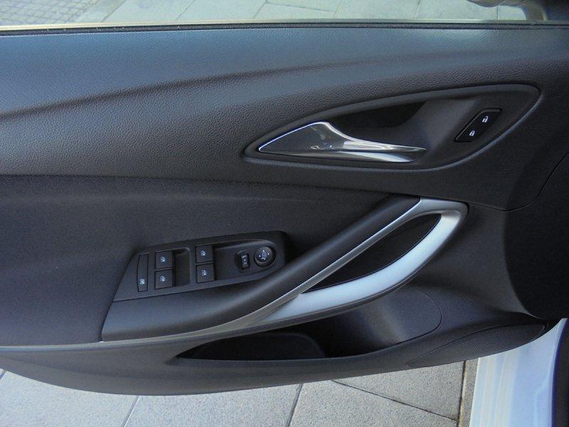 Opel Astra 1.6 CDTi 81kW (110CV) Business +