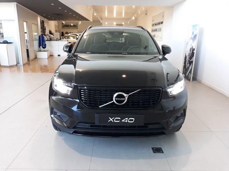 Volvo XC40 1.5 T3 155 CV R-Design