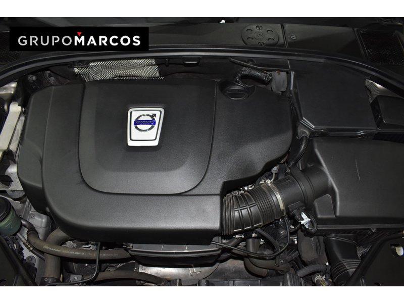 Volvo XC70 2.4 D5 AWD Auto Kinetic