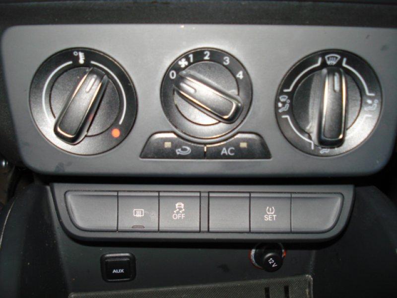 Audi A1 Sportback 1.6 TDI 90cv 5P S-LINE