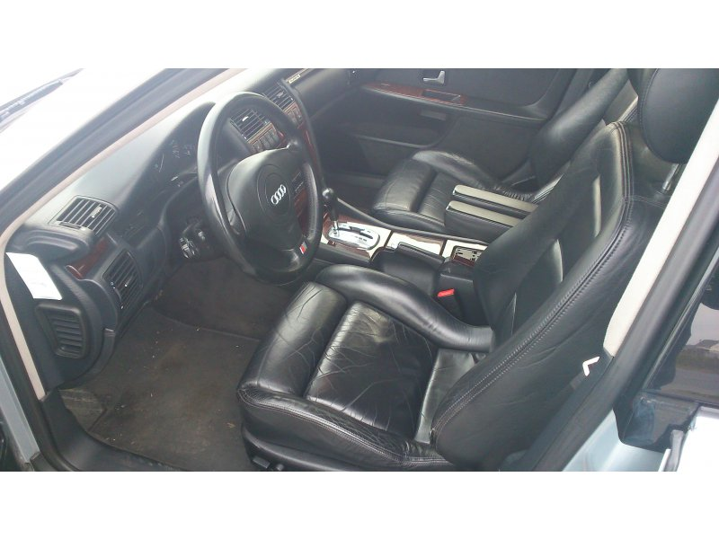 Audi A8 2.5 TDI QUATTRO TIPTRONIC -