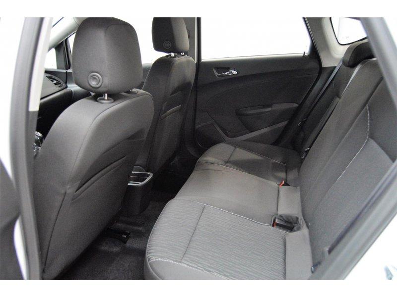 Opel Astra Sedán 1.6 CDTi ELEGANCE