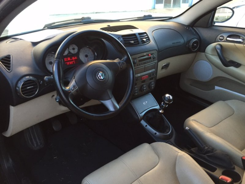 Alfa Romeo GT 1.9 JTD Collezione