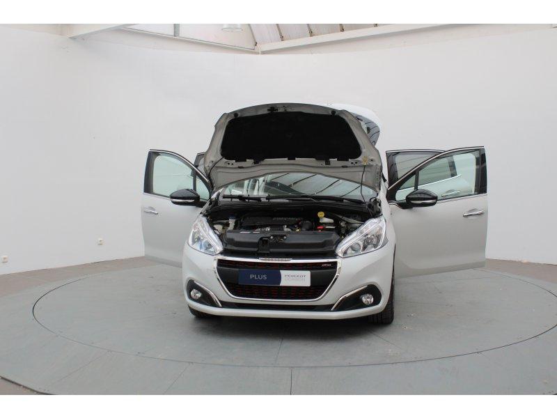Peugeot 208 5P GT-Line 1.6L BlueHDi 100 GT Line