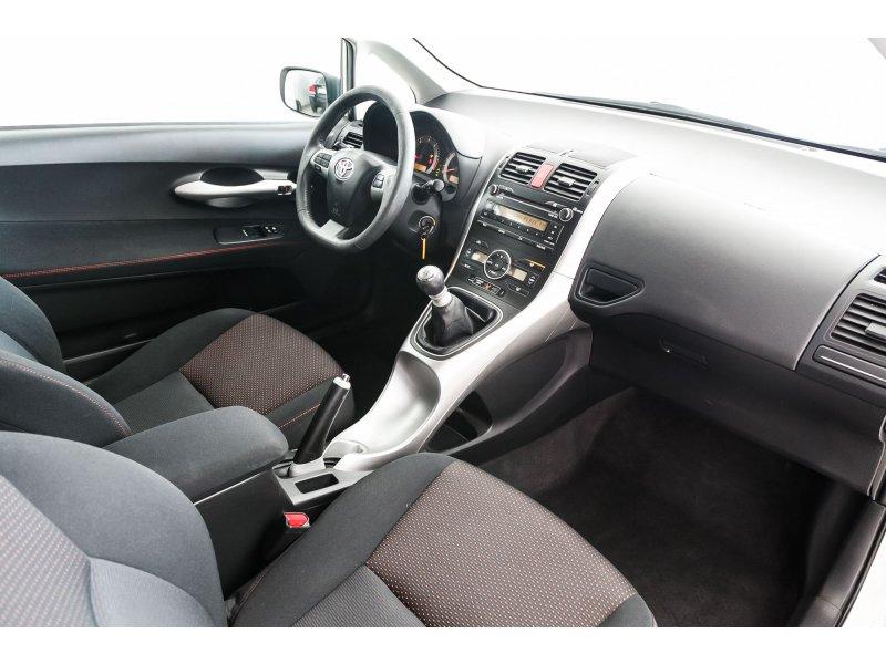Toyota Auris 1.4 D-4D Active