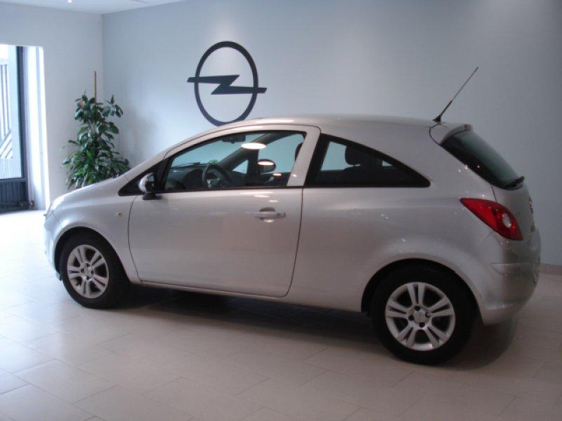 Opel Corsa 1.2 I 3P C'Mon