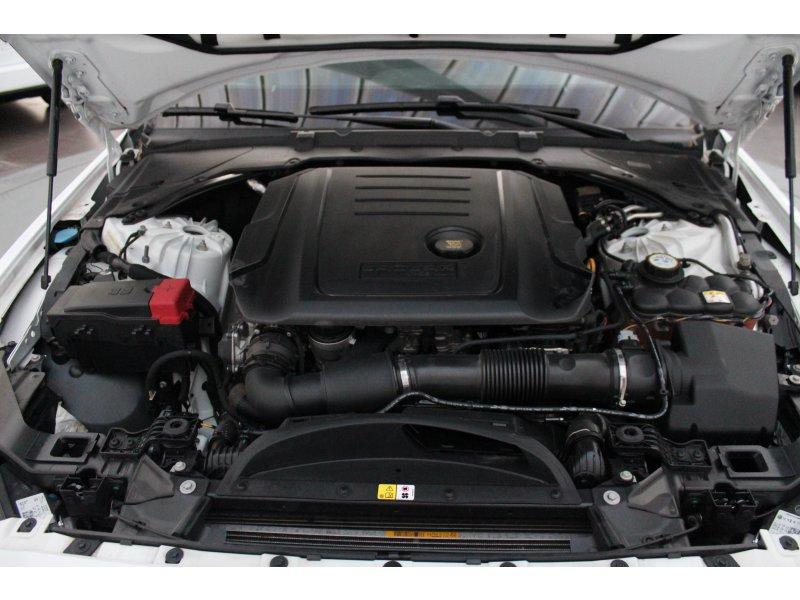 Jaguar XE 2.0 AJ200D Diesel RWD 180cv Prestige