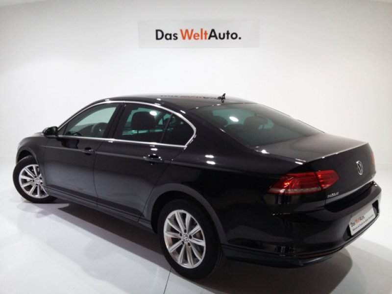 Volkswagen Passat 2.0 TDI 150cv Tech Advance Bluemotion