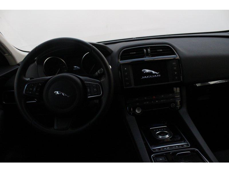 Jaguar F-Pace 2.0L i4D 132kW Auto Pure