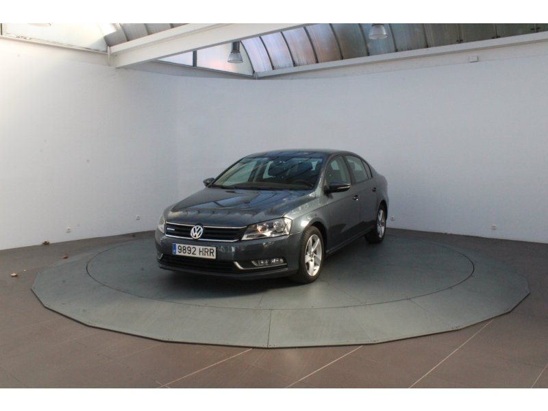 Volkswagen Passat 1.6 TDI 105 Tech Advance Plus BlueMotion
