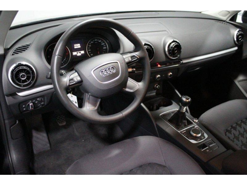 Audi A3 1.6 TDI e 105cv Attraction