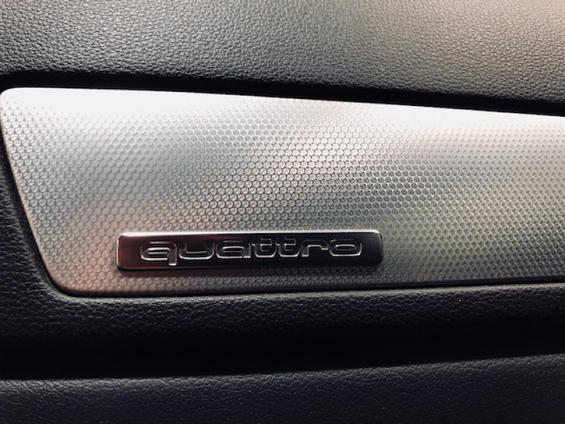 Audi Q3 2.0 TDI quattro S tron Advanced edition