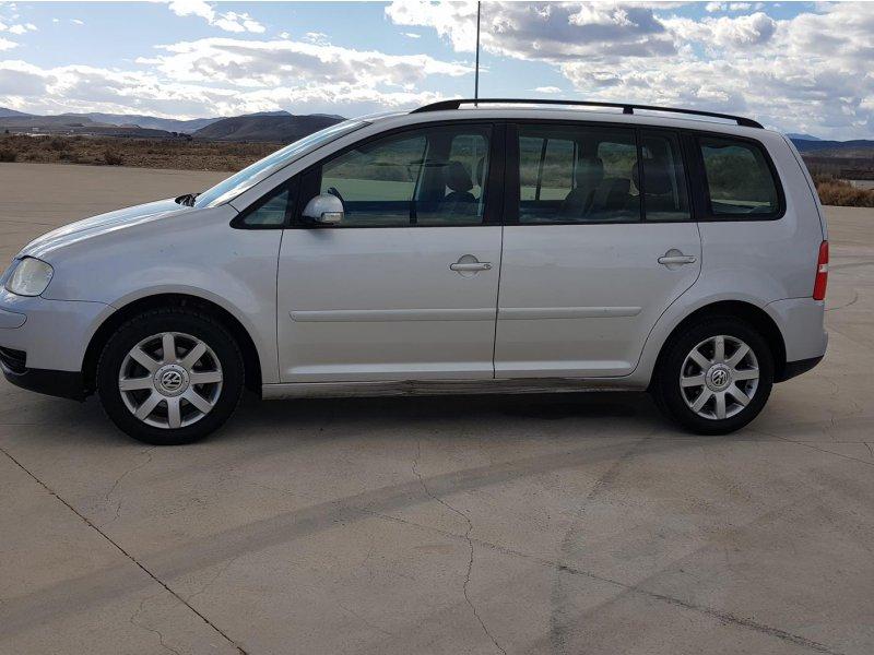 Volkswagen Touran 1.9 TDI ADVANCE Advance