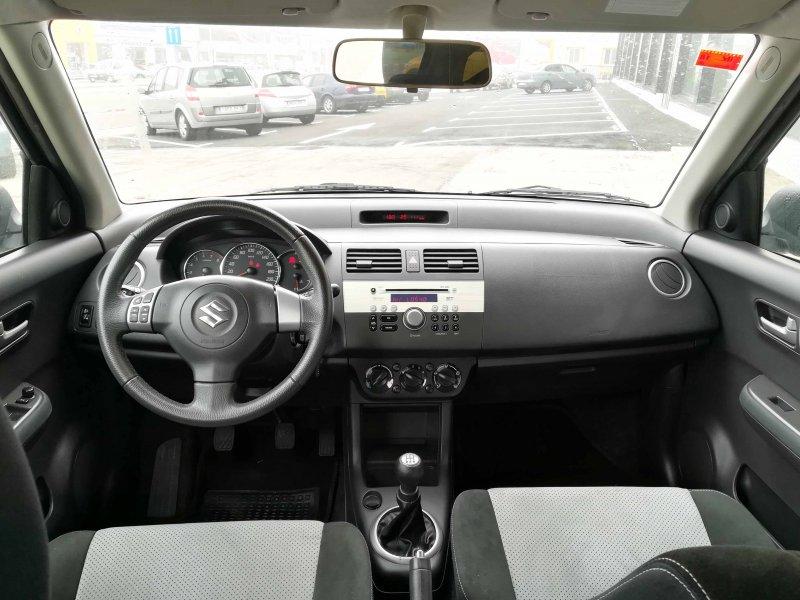 Suzuki Swift 1.3 5p BLACK AND WHITE