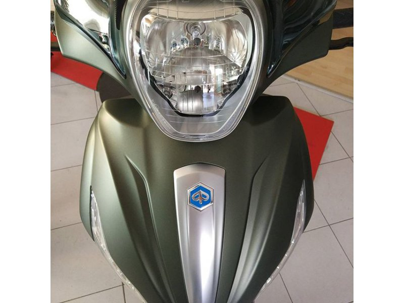 Piaggio Beverly 350 SportTouring ABS+ATC MONOCILINDRICO SCOOTER