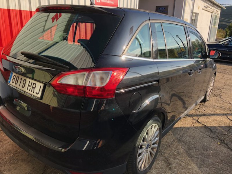 Ford Grand C-Max 2.0 TDCi 140 Powershift Titanium