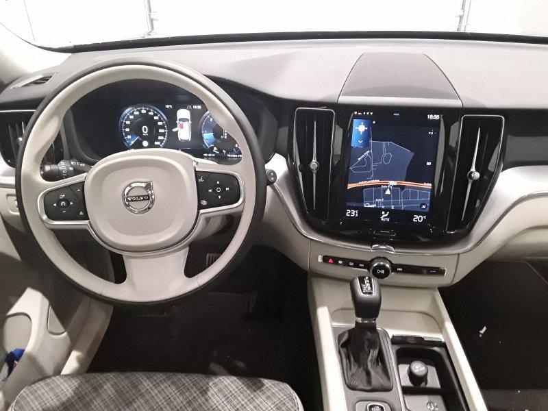 Volvo XC60 2.0 D4 Auto AWD 191 CV Momentum