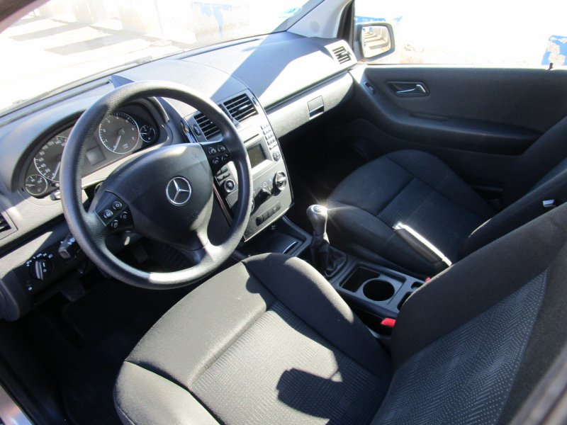 Mercedes-Benz Clase A A 180 BE BlueEFFICIENCY