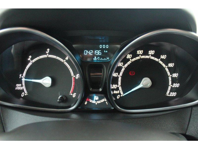 Ford Tourneo Courier 1.6 TDCi 95cv Titanium