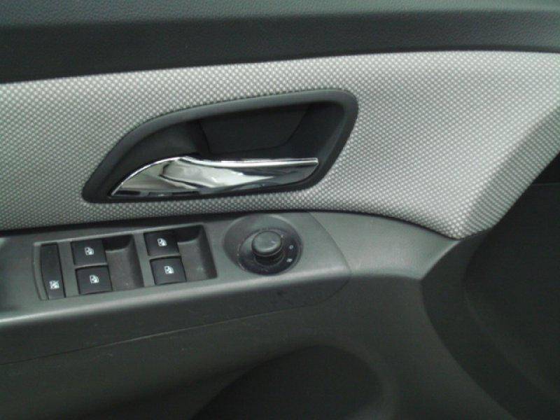 Chevrolet Cruze 1.6 16V Clima LS+ 4P.