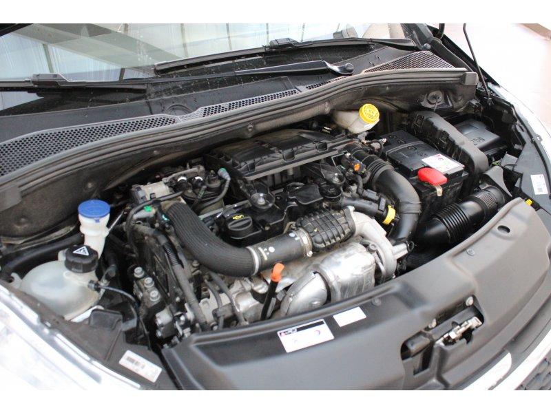 Peugeot 208 5P STYLE 1.4 HDi 68 Style